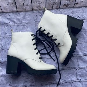 🌟new bp lace up boots size 5.5 white